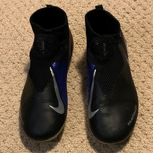 Nike Phantom VSN Soccer Shoes